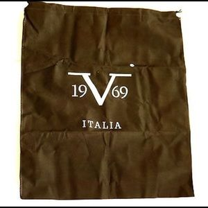 ed1839476e9 Versace Bags   Nwot 1969 Abbigliamento Willow Tote Bag   Poshmark